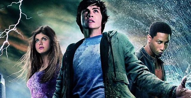https://acokaia.com/blog/wp-content/uploads/2018/02/Percy_Jackson_Annabeth_Chase_et_Grover_Underwood.jpg